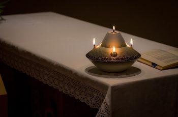 oraciones para quemar romero en casa