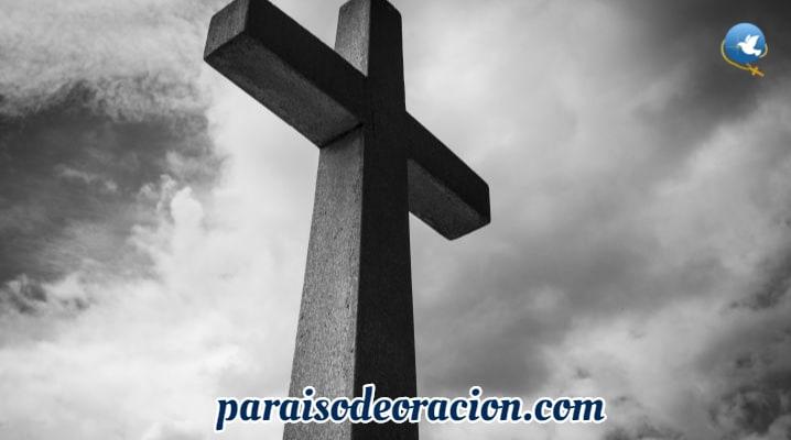 ¿Qué significa el levantamiento de la cruz?