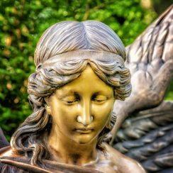 Oraciones Poderosas y Efectivas Para Los 7 Arcángeles